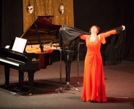 Lo spettacolo di Daniela Musini per l'Agbe - Auditorium Flaiano - Pescara 9 dicembre 2013