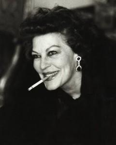 ava-gardner-sigaretta