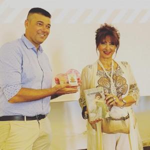Daniela Musini con il sindaco di Torrevecchia Teatina Francesco Seccia